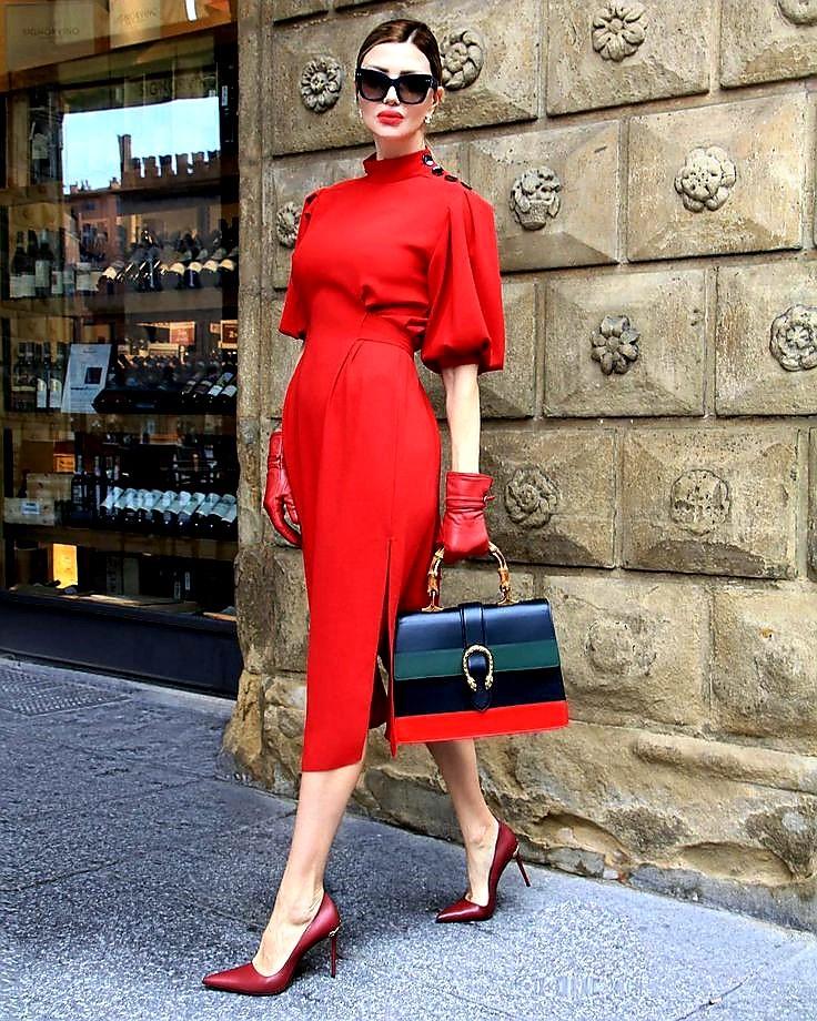 کفش قرمز لباس قرمز